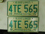 1971 Minnesota 10,000 Lakes License Plate 4TE 565 Pair