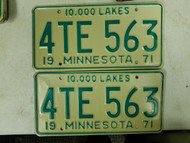 1971 Minnesota 10,000 Lakes License Plate 4TE 563 Pair