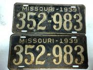 PAIR of DMV Clear 1939 MISSOURI Passenger License Plates YOM Clear 352-983 MO