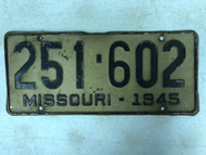 DMV Clear 1945 MISSOURI Passenger License Plate YOM Clear 251-602 MO