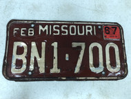 DMV Clear February 1967 MISSOURI Passenger License Plate YOM Clear BN1-700 MO