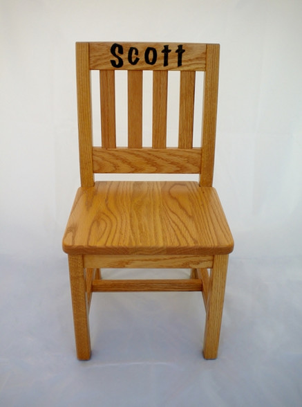 Lovely personalized children's chair red oak solid wood RC74