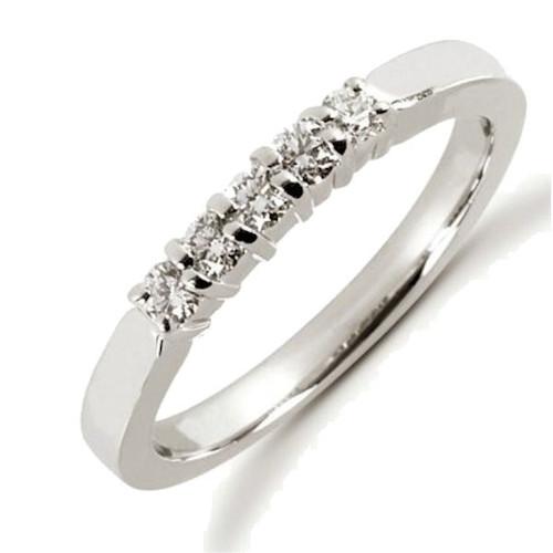 0.25 Ct Tw 5-Stone Diamond Anniversary Ring
