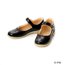 PetWORKs Closet - Classical Strap Shoes Black x Beige Sole