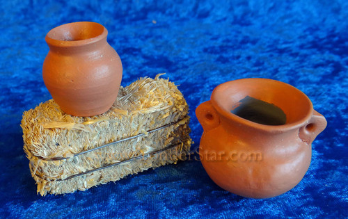 Pots and Haybale - Companions Nativity Accessories Set