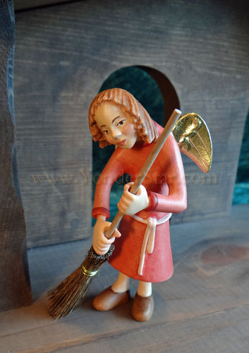 Angel with Broom LEPI Kastlunger Nativity