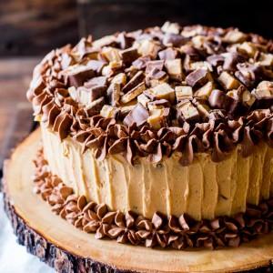 peanut-butter-snickers-cake-recipe