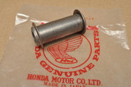 NOS Honda C70 C100 C102 C105 T C110 C200 CL90 CM91 CT200 CT90 S65 S90 Rear Axle Distance Collar 42620-001-010