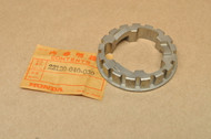 NOS Honda ATC70 C70 CT70 TRX70 QA50 Z50 Clutch Center 22120-040-030