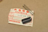 NOS Honda Z50 A K0-K2 Carburetor Throttle Valve Set Slide & Spring 16022-045-600