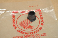 NOS Honda CB400A CB400T CB450SC CB550 CB750 CX500 GL1000 Rear Turn Signal Mount Rubber 33606-371-000