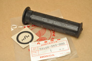 NOS Honda 1983-85 ATC110 1984-85 ATC125 M 1985-86 TRX125 Handlebar Grip 53166-943-000