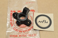 NOS Honda CB650 CB750 F CB900 F CBX GL1000 GL1100  GL500 Turn Signal Socket Rubber 33411-431-782