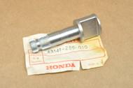 NOS Honda CB350 CB350F CL350 MT250 SL350 XL250 XL350 Rear Brake Panel Cam Shaft 43141-286-010