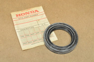 NOS Honda GL1000 Gold Wing Final Driven Rear End Gear Oil Seal 91263-371-006