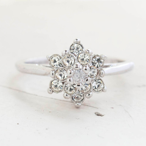 Vintage Jewelry Clear Crystal Flower Motif Cocktail Ring in 18k White Gold Electroplate