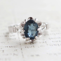 Vintage 1970s Saphire Austrian Crystal Solitaire Ring 18k White Gold Electroplated Made in USA