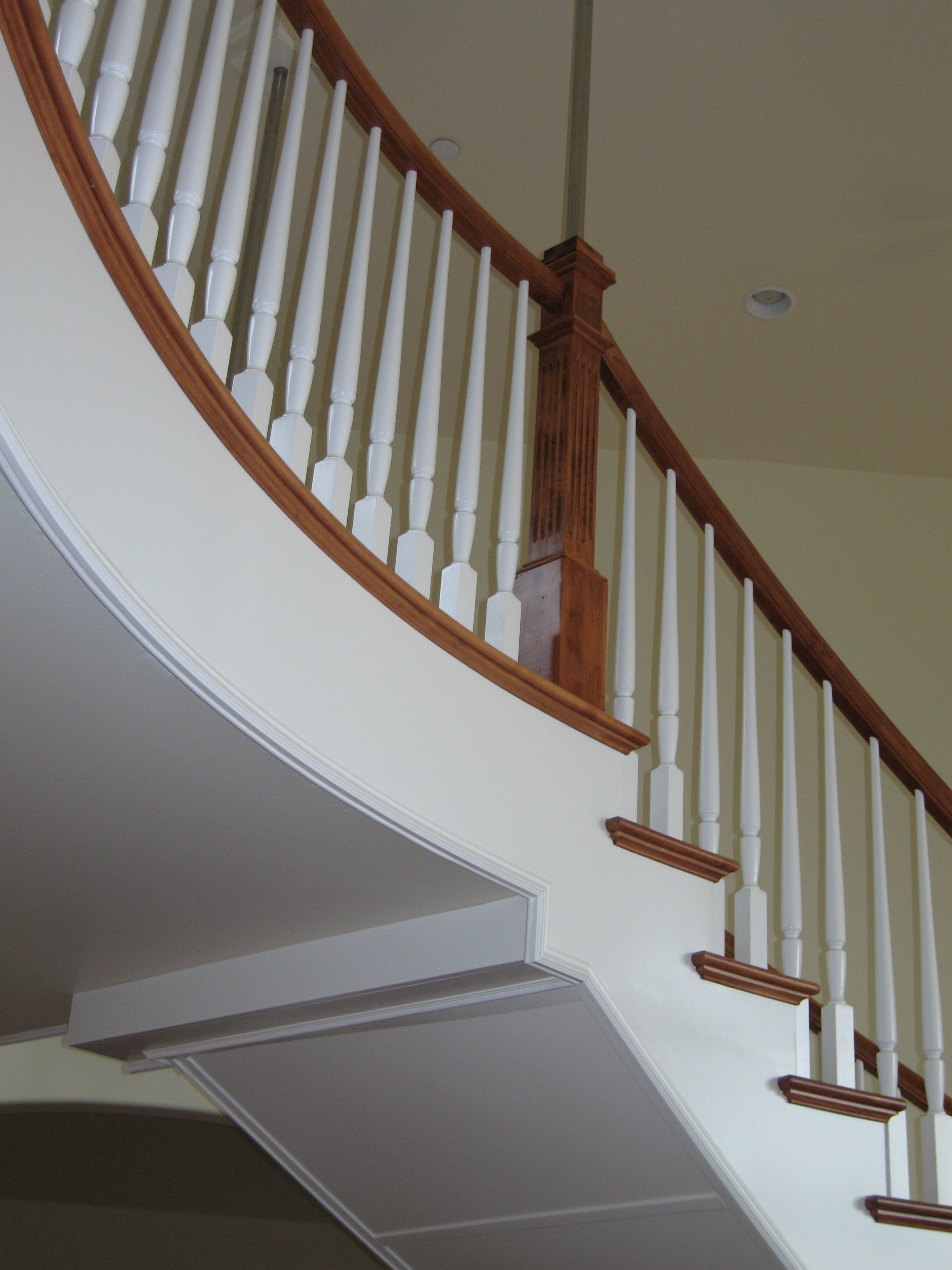 Bunker Hill Pre Finished White Balusters And Maple Handrail