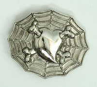 Heart bone spiderweb medium buckle