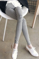 Monochrome houndstooth adult