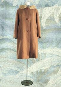 1950s Caramel boucle travel coat