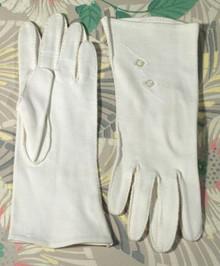 Creamy cotton gloves