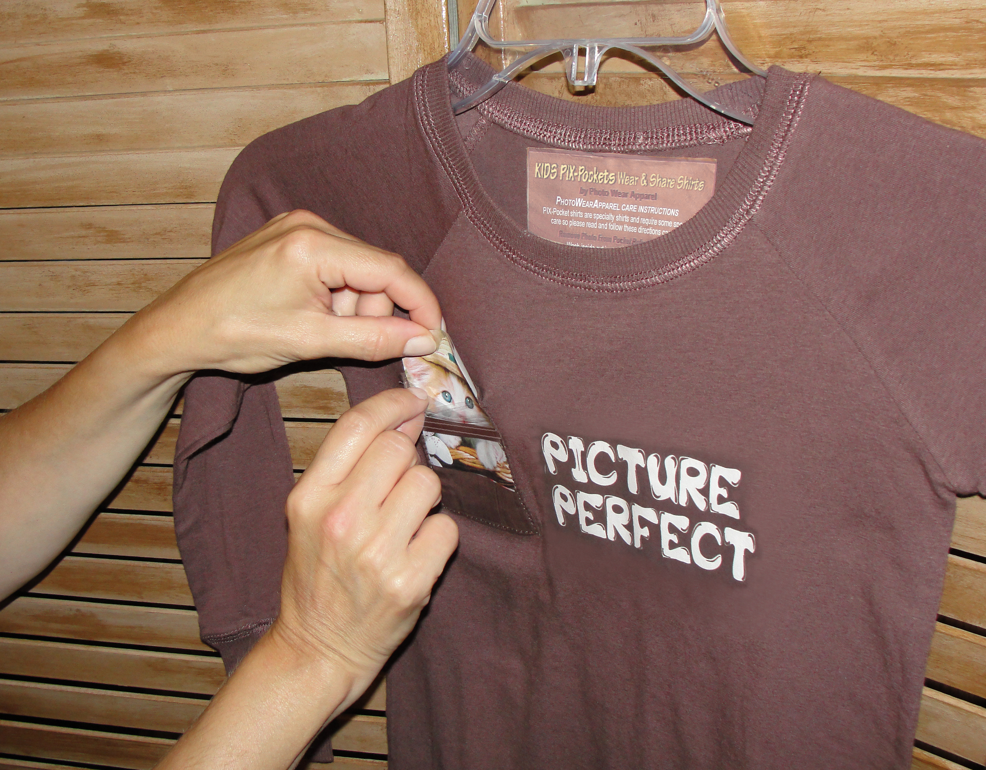 insert-photo-in-pix-pocket.jpg