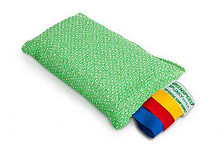 Removes persistent dirt; Suitable for hard surfaces; Does not damage the surface; Efficient use due to color coding.  The Greenspeed® Splinky sponge contains microfibres and hardened polyester, just like the Diamond microfiber cloth. This is why the Splinky sponge combines the powerful cleaning effect of the Greenspeed® microfiber with intensively scrubbing of a surface. Even persistent or caked dirt disappears, like snow before the sun, without damaging the surface.    The Splinky is the ideal sponge for use in bathrooms and kitchens. Wiping the surface with a Greenspeed® Original microfiber cloth leaves everything spotless and hygienically clean once again.