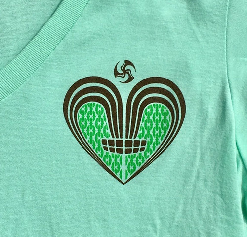 Huk Lab Womens Huk Luv tee mint front graphic closeup