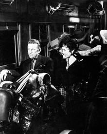 Kirk Douglas & Carolyn Jones in Last Train From Gun Hill aka Le Dernier Train de Gun Hill Poster and Photo