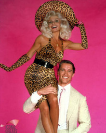 Arnold Schwarzenegger & Loni Anderson in The Jayne Mansfield Story a.k.a. Jayne Mansfield: A Symbol of the 50's Poster and Photo