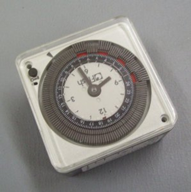 Low voltage programmable timer with pins (6 to 24V AC or DC