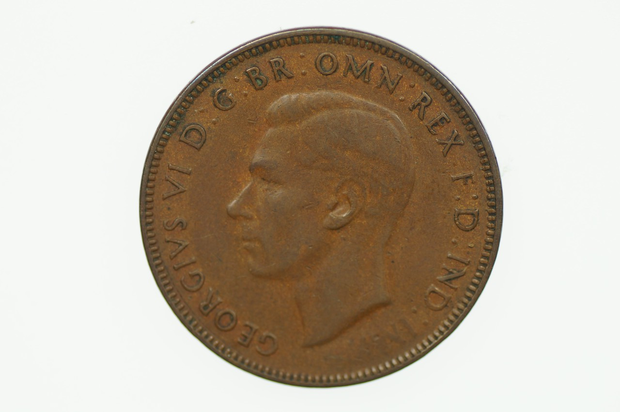1942 Half Penny George VI Low Mint in Very Fine Condition Obverse