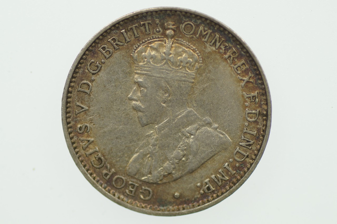 1917 Threepence George V in Very Fine Condition Obverse
