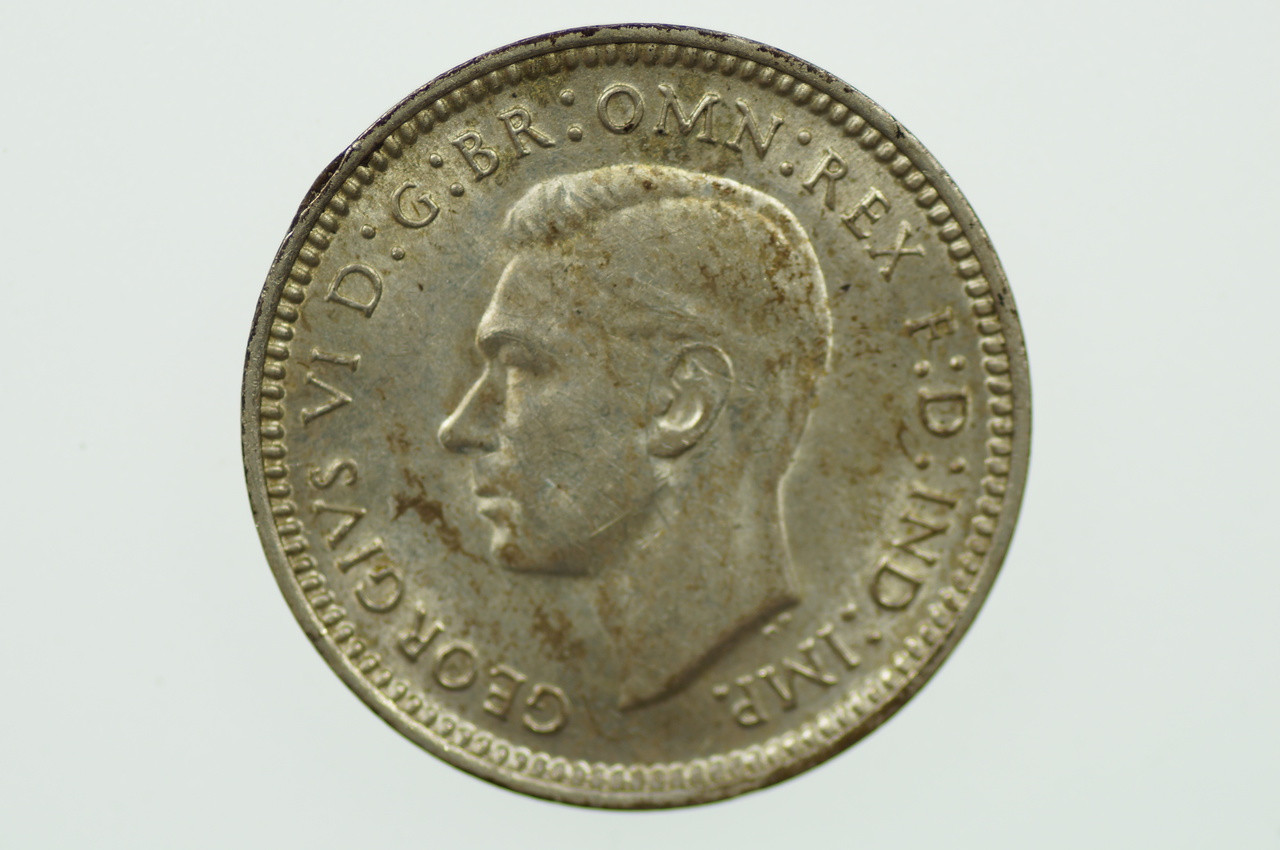 1943 D Threepence in Uncirculated Condition Obverse