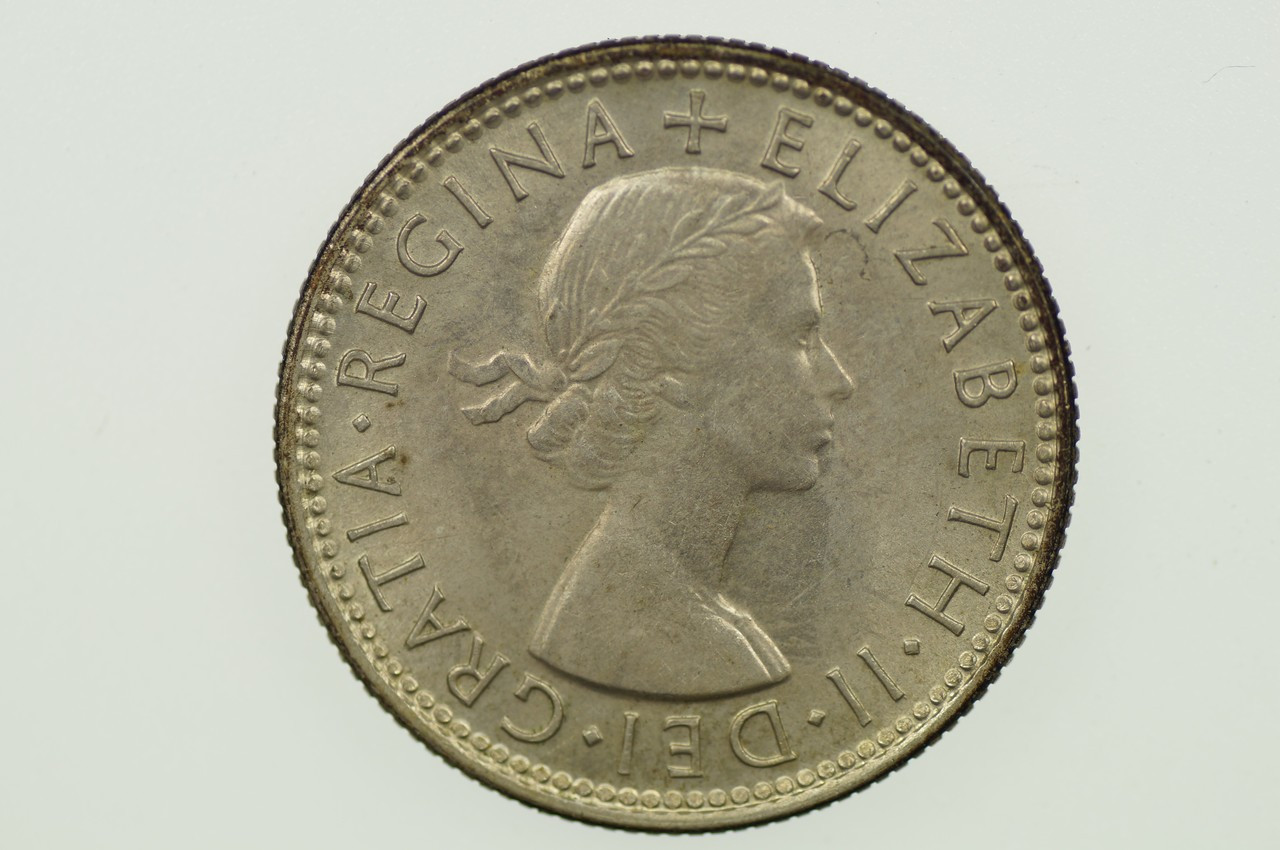 1953 Shilling Elizabeth II in Uncirculated Condition Obverse