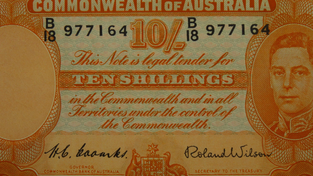 1952 10 /- Coombs/Wilson Banknote in EF Condition Close Up
