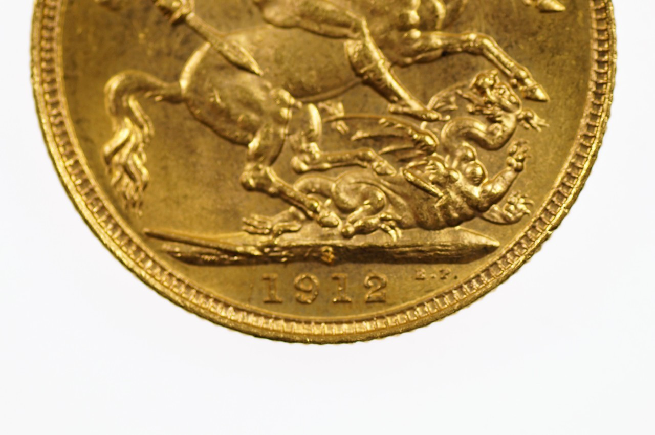 1912 Sydney Mint Gold Full Sovereign in Extremely Fine Condition Reverse Close Up