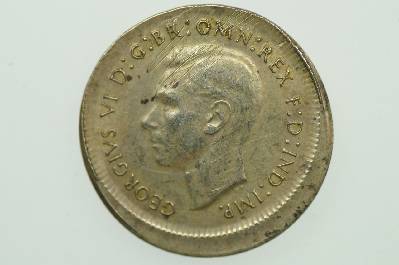 Australian 1945 Sixpence Variety Error Mis-Strike George VI in Very Fine Condition Obverse