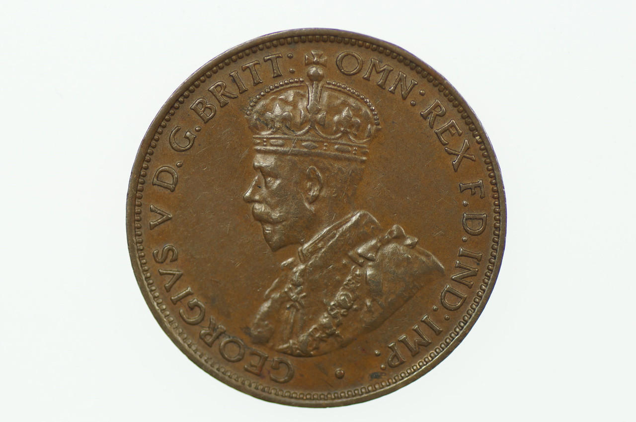 1927 Half Penny George V in Almost Uncirculated Condition Obverse