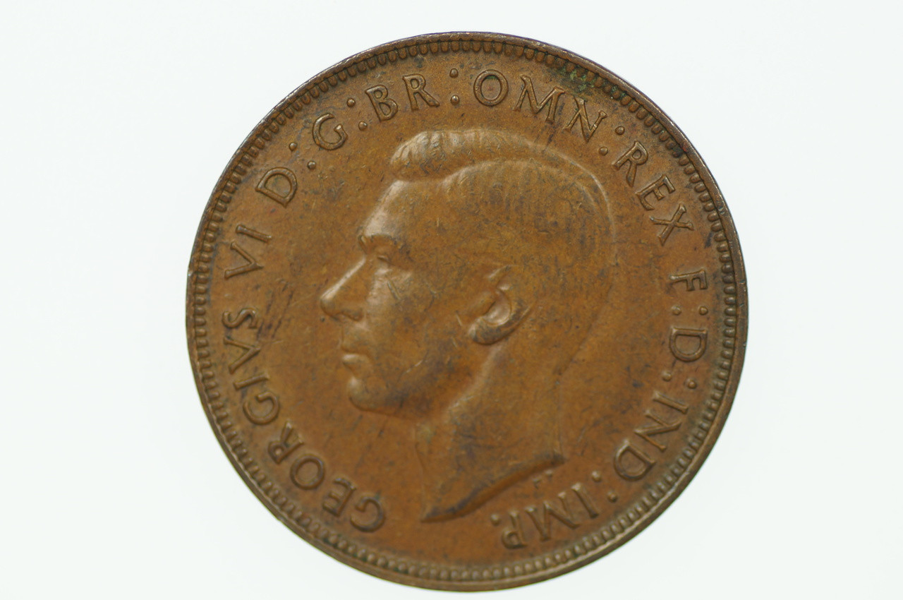 1945 Y. Penny George VI in Extremely Fine Condition Obverse