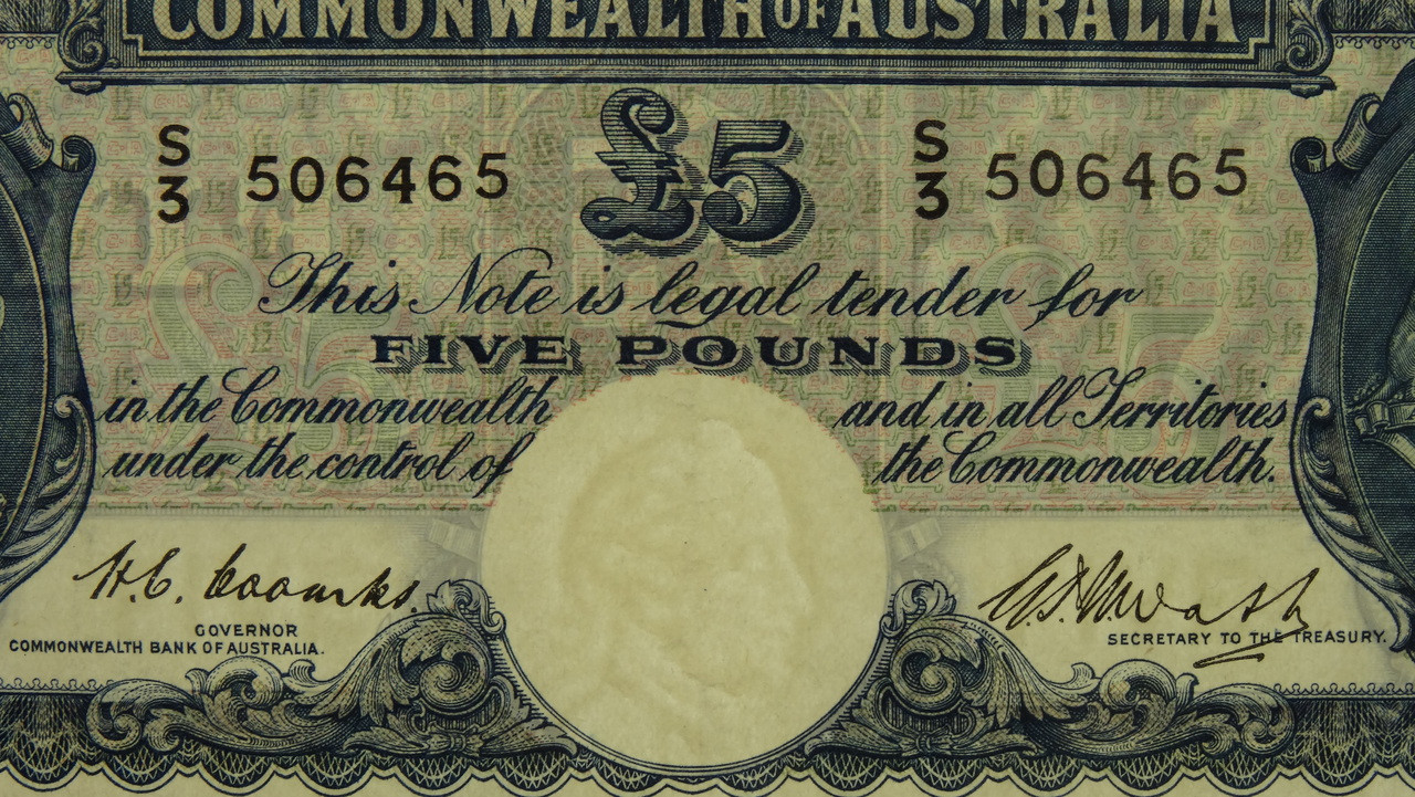 1949 Five Pounds Coombs / Watt Banknote in EF Condition Reverse Close Up