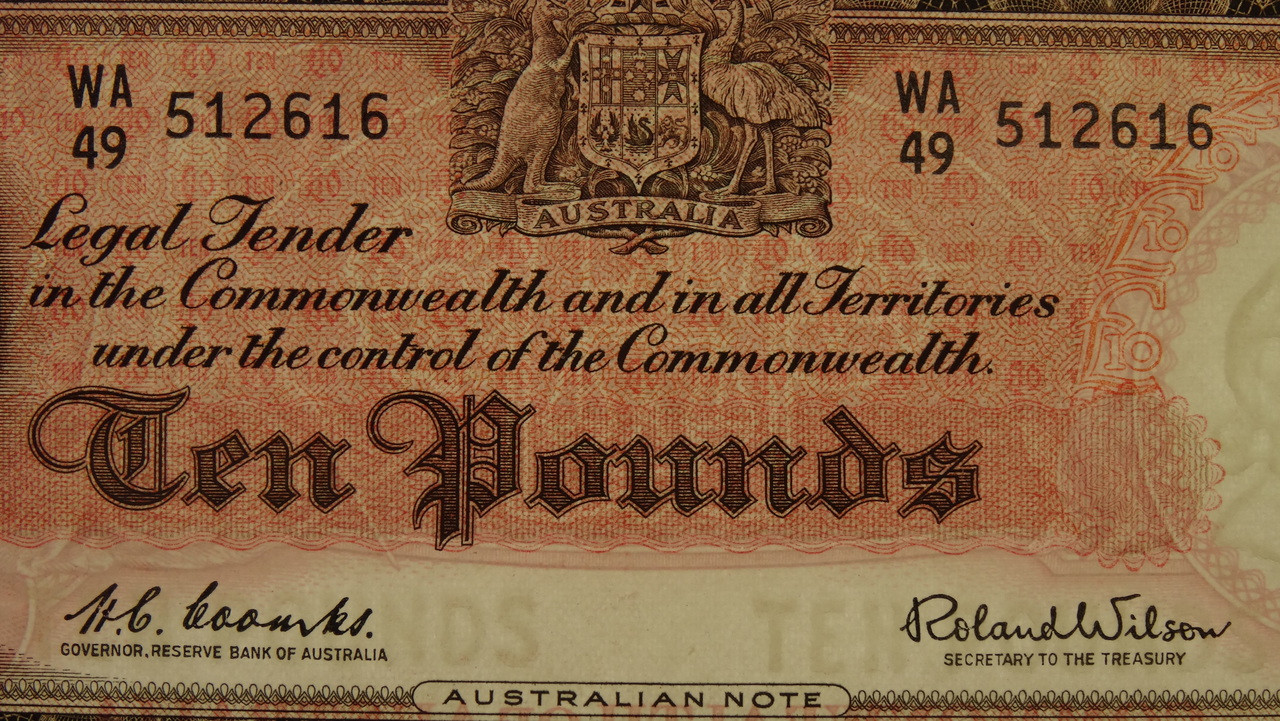 1960 Ten Pounds Coombs / Wilson Banknote in Unc Condition Reverse Close Up