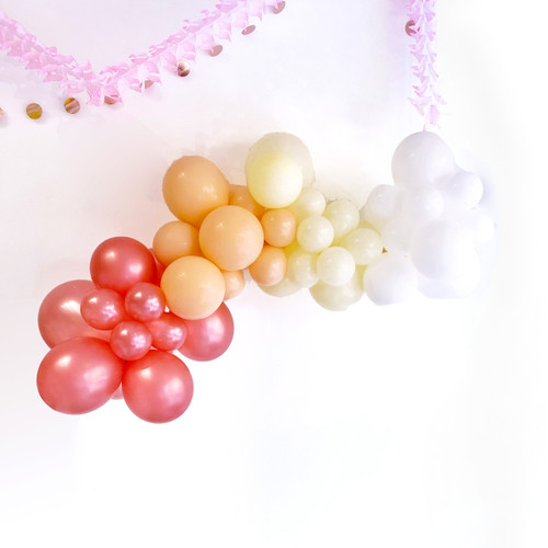 Elegant Blush Balloon Garland Decoration Kit to create your very own organic balloon garland arch for your party or wedding. Made up of rose gold, ivory and white balloons.