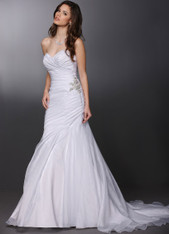 Sweetheart neckline wedding dress.