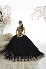 The gold accents in this quince dress are perfect. This dress can be perfect for a ranchero theme quince.