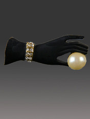 Vintage Art Deco 1930s Gloved Hand Pin