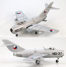 HobbyMaster Czechoslovak Air Force MIG-15 Lt.J.Sramek (Thunderjet killer) 1/72
