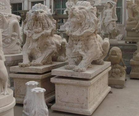 FANTASTIC CARVINGS ON PAIR OF TRAVERTINE HAND CARVED MARBLE ESTATE LIONS WITH PEDESTALS -ROARING LIONS