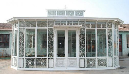 LARGE CAST IRON CONSERVATORY OR GARDEN ROOM, COMES WITH TEMPERED GLASS